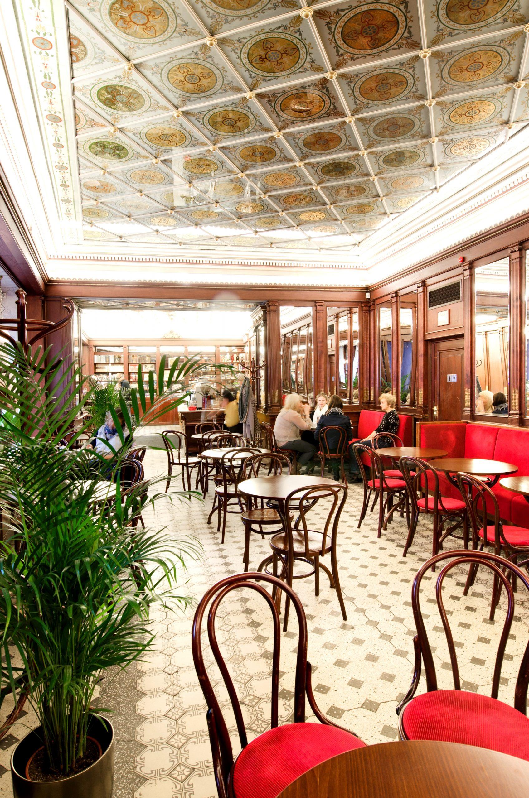 Maiasmoka kohviku I korrus